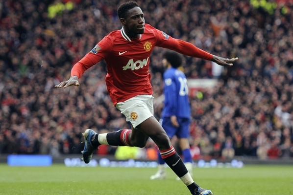 Welbeck continues his contract until 2017