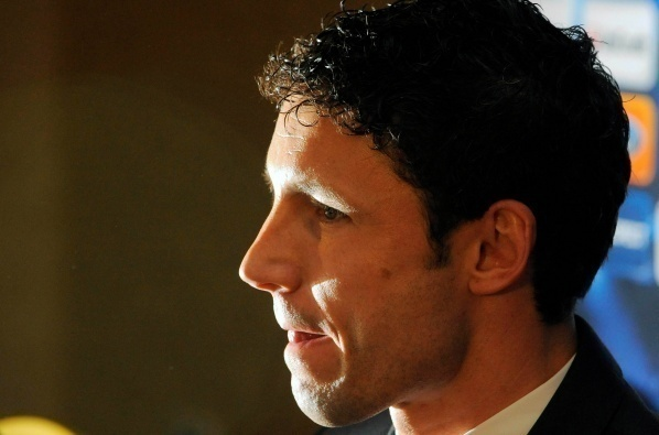 Van Bommel is back to Eindhoven in the summer