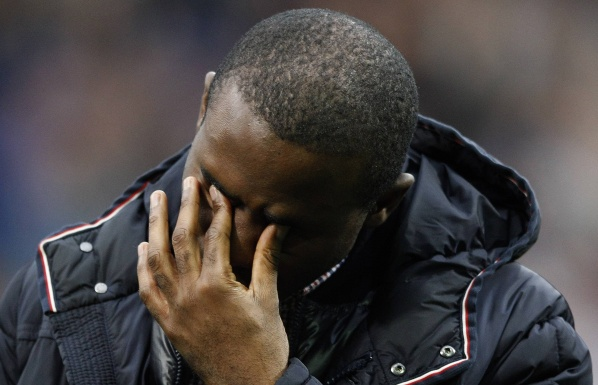 "Muamba returned to ""Reebok"", couldn't hold back his tears"