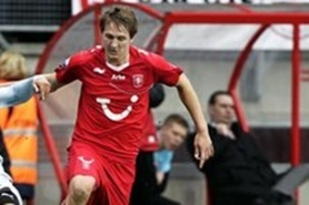 Twente asked 12.5 million pounds for Luc De Jong