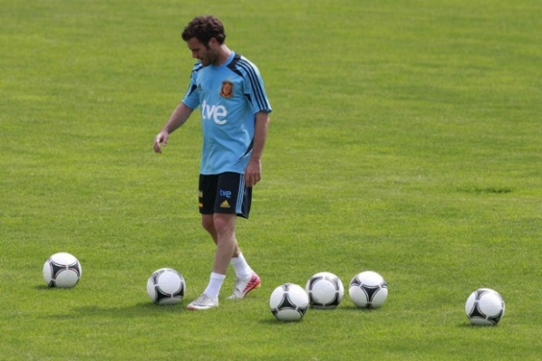 Mata: The desire to win Euro 2012 is bigger than the fatigue