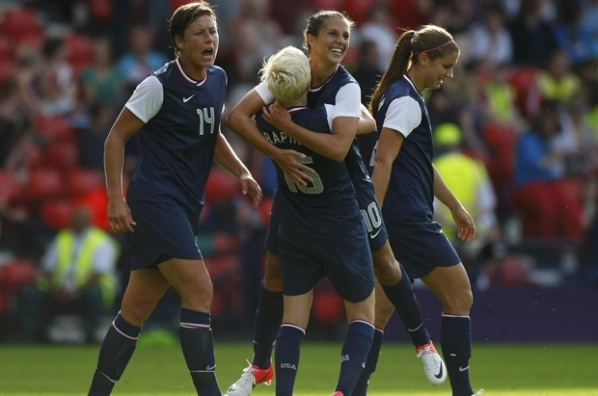 U.S. crushed France, while Japan defeated Canada at the football tournament for women