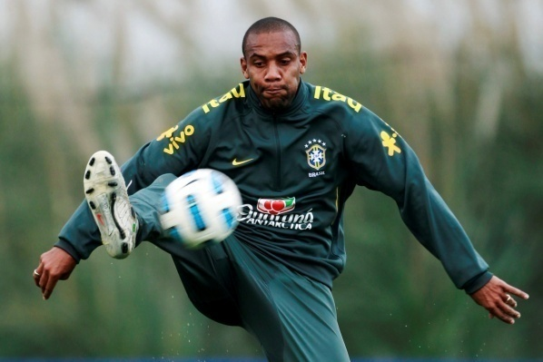 Man City will try to get Maicon in the coming days