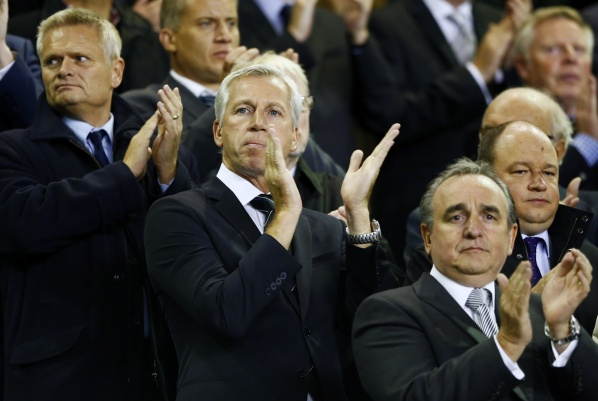8-year contract for Pardew in Newcastle