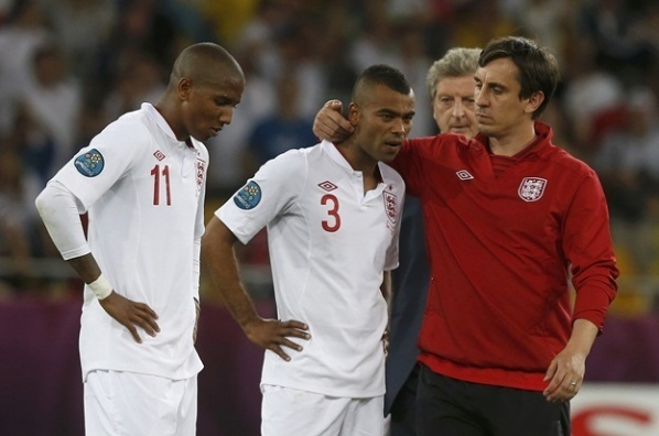 Hodgson will rely on Ashley Cole