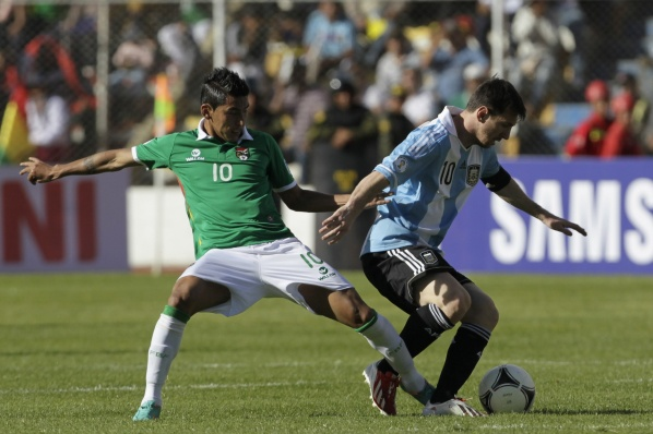 Argentina stumbled in Bolivia, but remains at the forefront