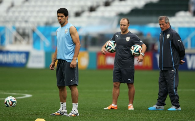 Tabarez: Suarez will play, even if he is not 100% ready