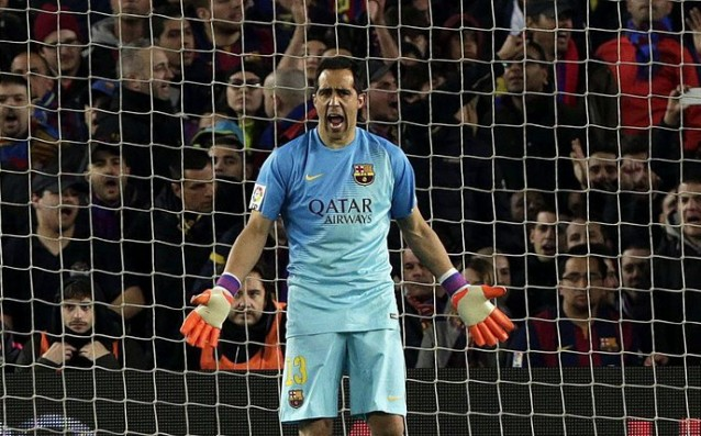 Claudio Bravo has no competition for the award 'Zamora'