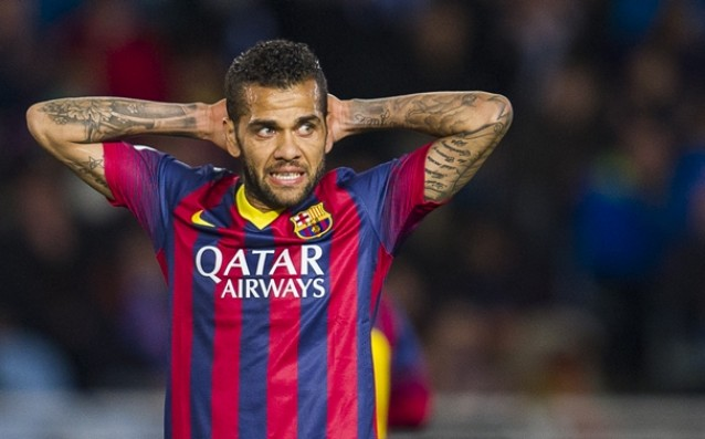 Danny Alves will stay in Barcelona until 2017
