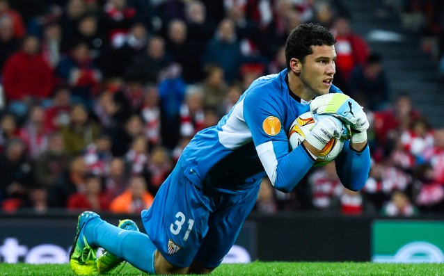 The Sevilla goalkeeper will be out for 6 weeks