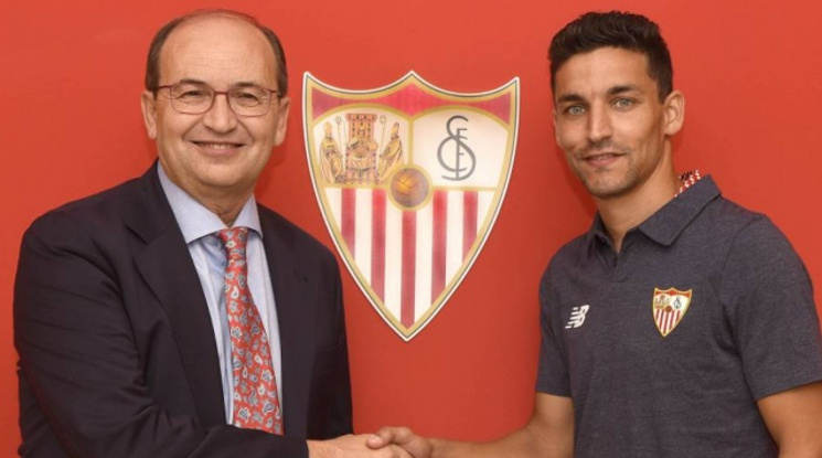 Jesus Navas is back to Sevilla